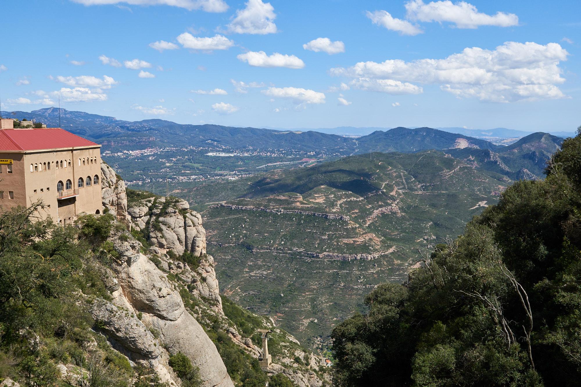 Monastery of Montserrat, Spain бесплатно